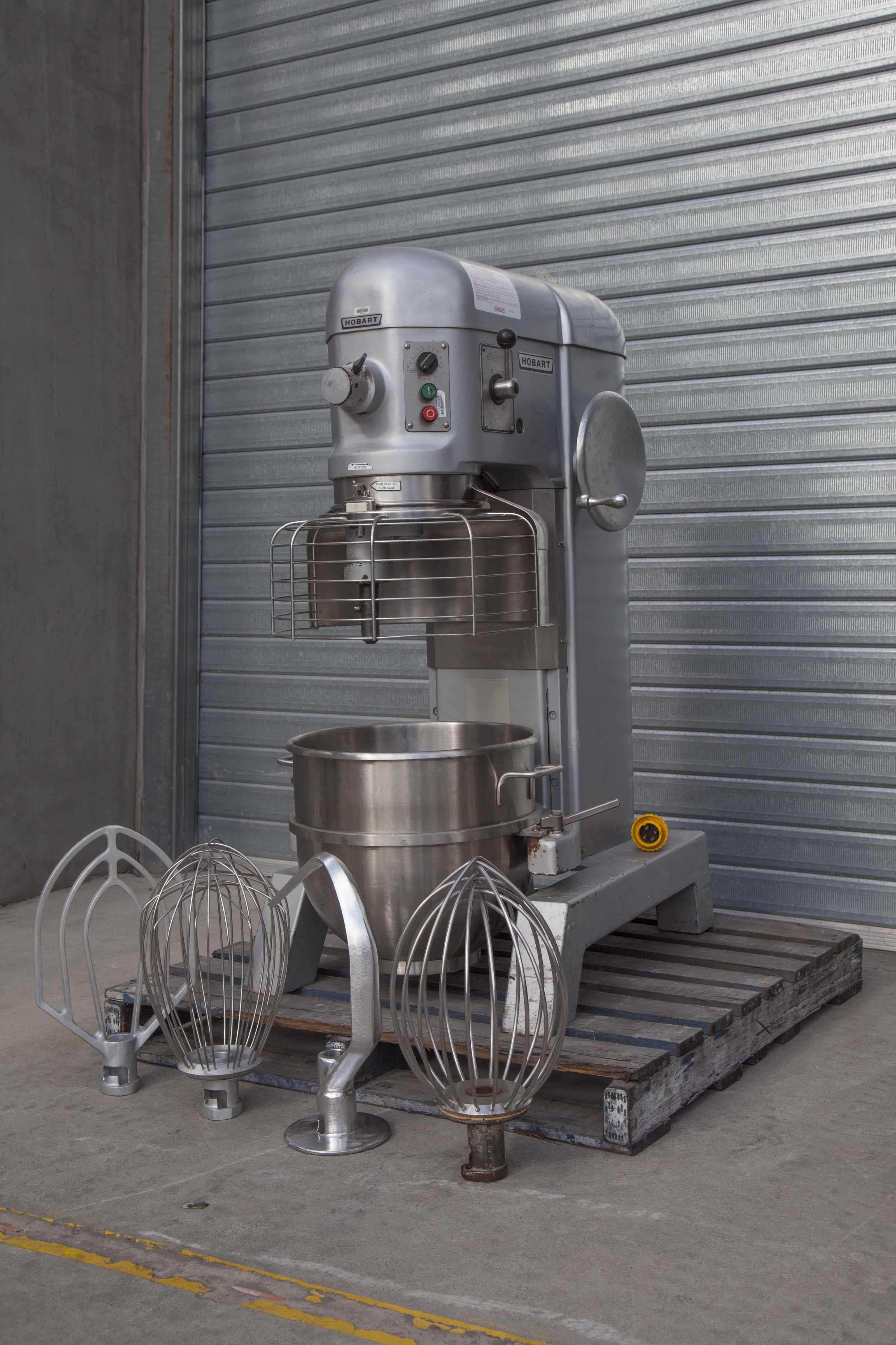 HOBART_H600_60LT_MIXER_GUARD_STAINLESS_BOWL_AND_3_TOOLS.jpg